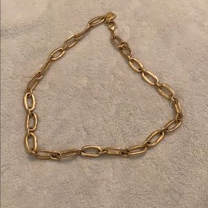 Gold link necklace from Uno